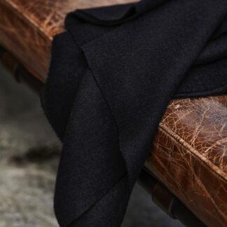 black woolen mold sweat mind the maker